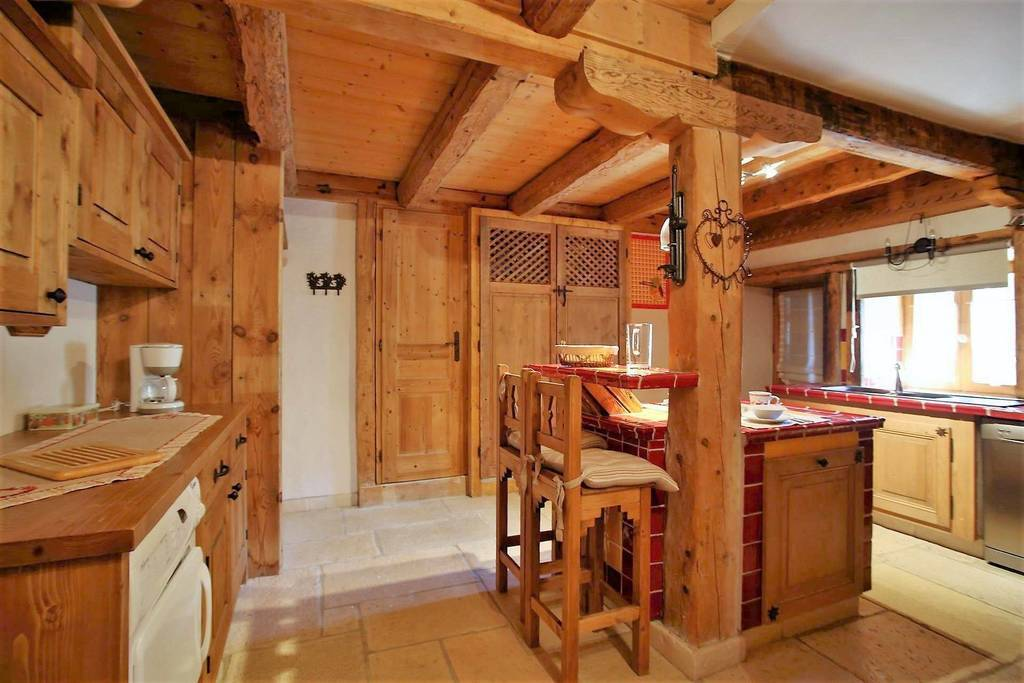 1500 Chalet in Les Carroz